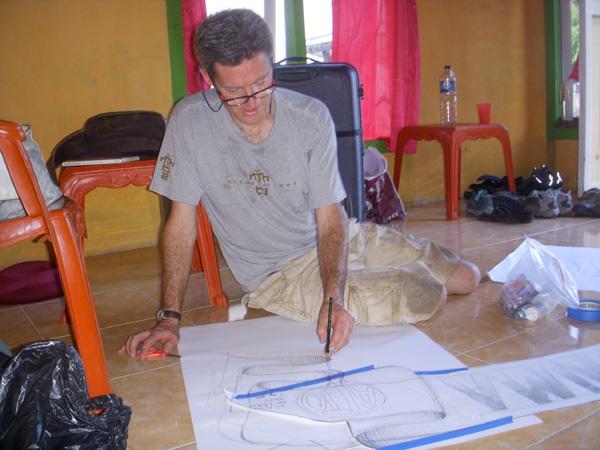 Will mengambar desain untuk lukisan dinding