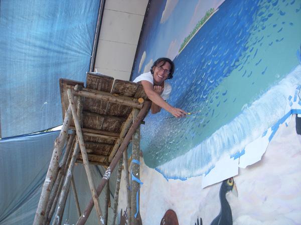 Leslie Brown melukis di atas