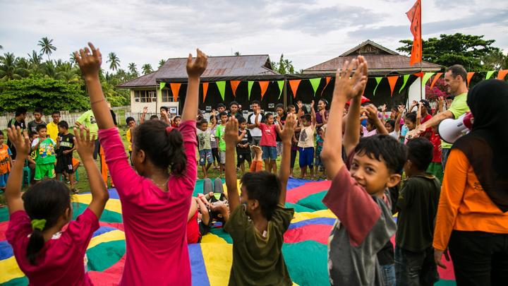 Parachute games, Pangkalaseang