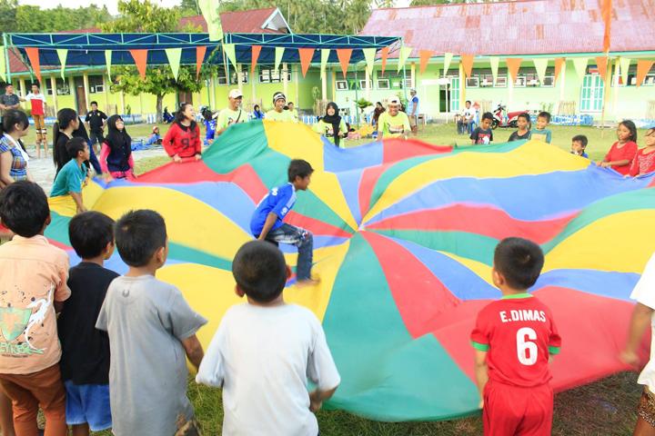 Parachute games, Balantak