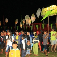 The Festival closing: lantern parade