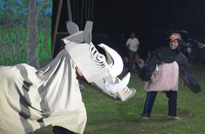 dramatic scene with babirusa